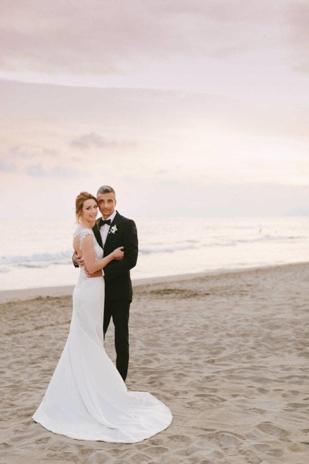 fotografie tramonto sposi spiaggia