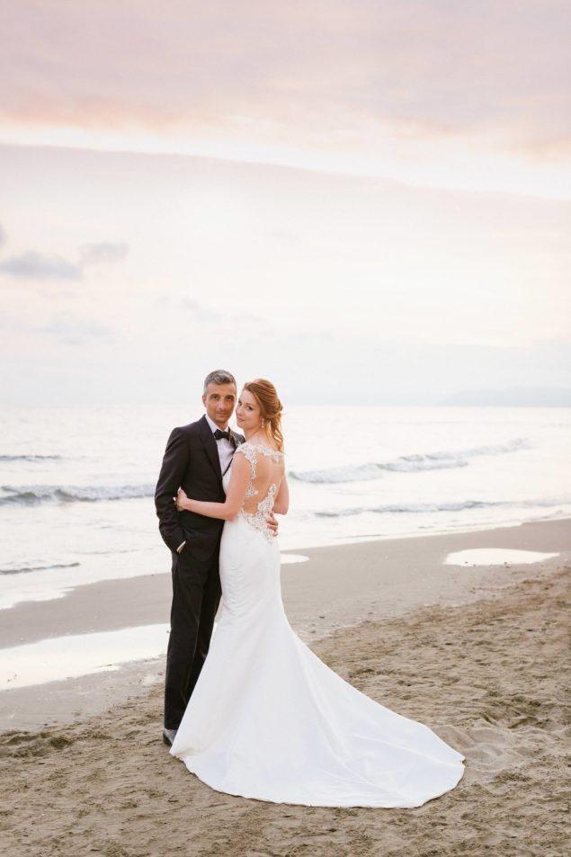Matrimonio Sulla Spiaggia Abito : Matrimonio sulla spiaggia augustus hotel idee