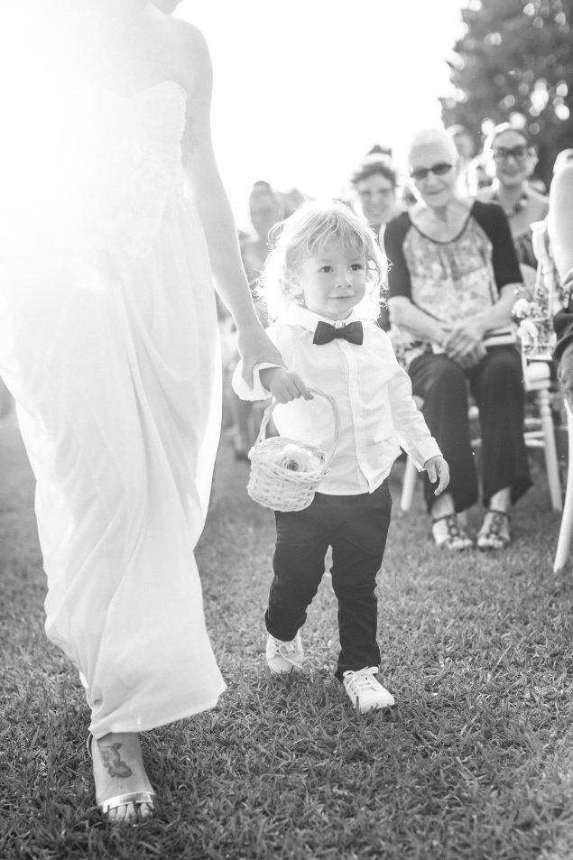 bambino porta le fedi matrimonio villa bruguier